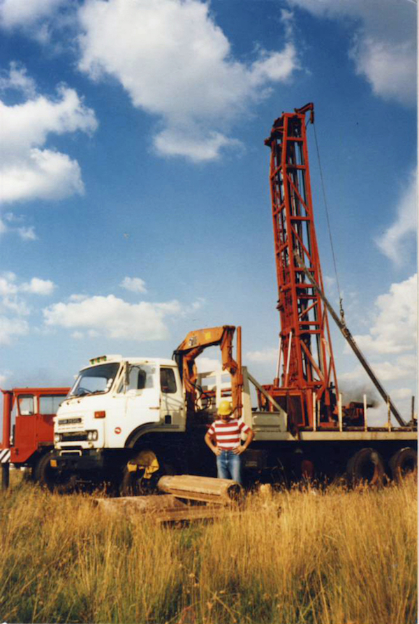 Dolomite drilling for a series of large-diameter/high-yield boreholes drilled from Vereeniging to the south of Johannesburg in the 1980s.
