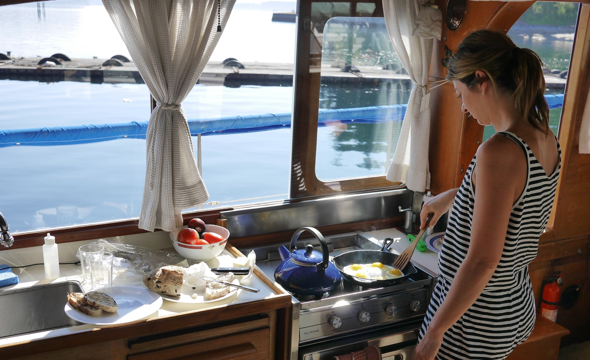 Patricia_V_boat_cooking