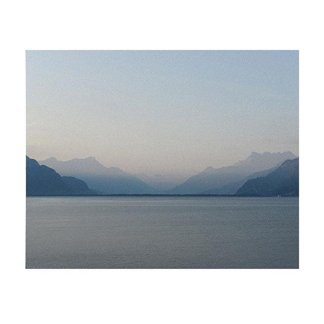 Good morning beautiful ✨#sunrise #switzerland #lacleman #happyplace