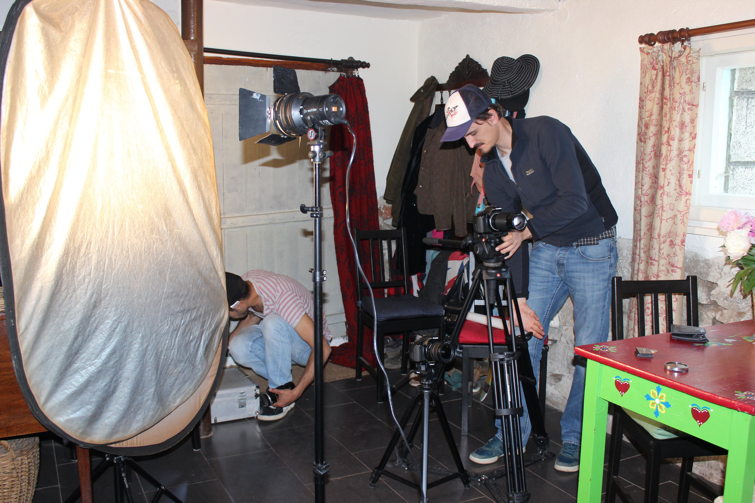 Preparations for an interview for BNT1 'Otblizo c Mira'