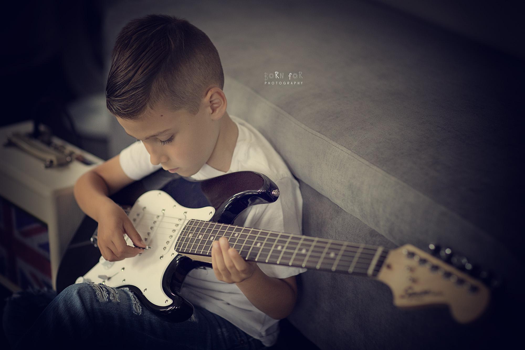 Alexandros guitar-56_E2_WEB.jpg