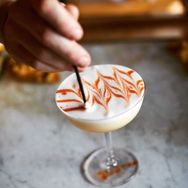 It's #whiskeywednesday. What's your Go-to? Ours is the classic Whiskey Sour. Done well, sublime. Done poorly...:( Here is the recipe we use. Guaranteed to please.  2oz Mulholland American Whiskey 3/4 oz fresh lemon juice  1oz 2:1 Simple syrup 1 Egg white Dry shake then shake w/ice. Double strain. Float with Angostura.