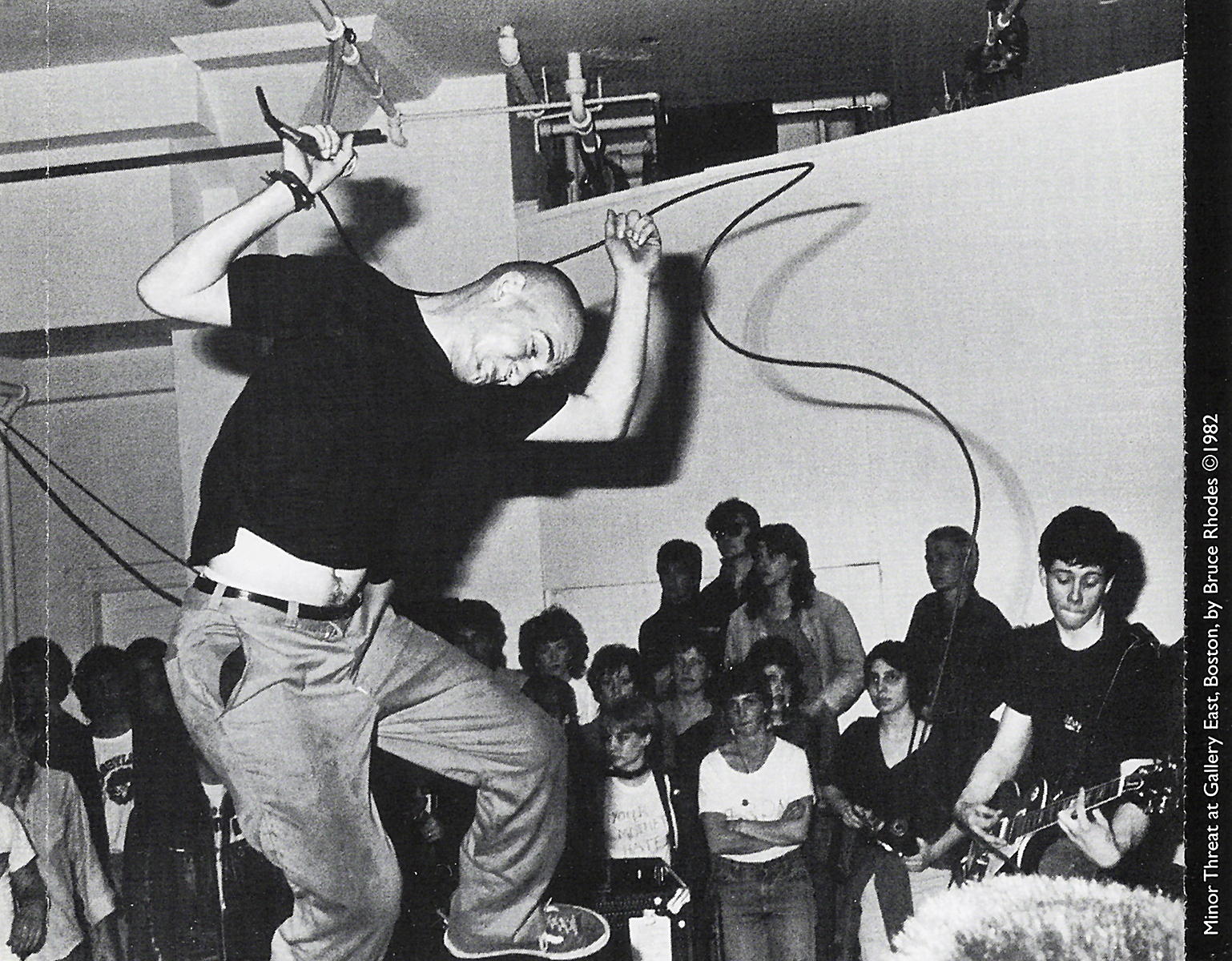 Minor_Threat-Complete_Discography_USA-Inlay-.JPG