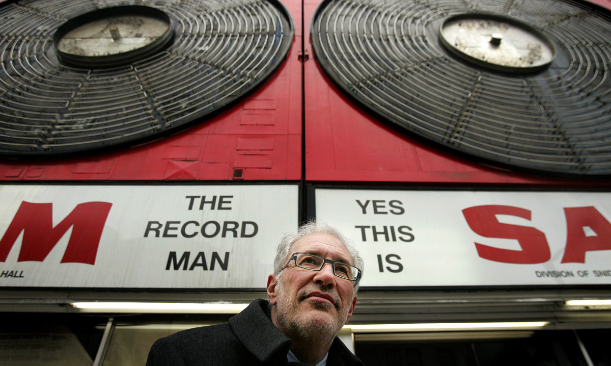 sam_the_record_man_sign.jpg