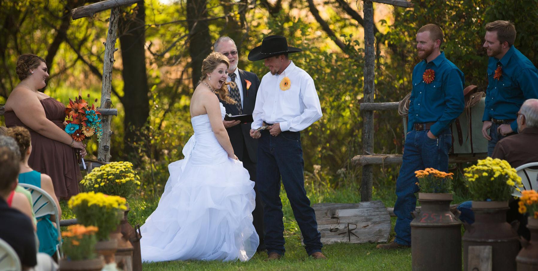 lincoln-ne-prairie-creek-inn-wedding-photos-04