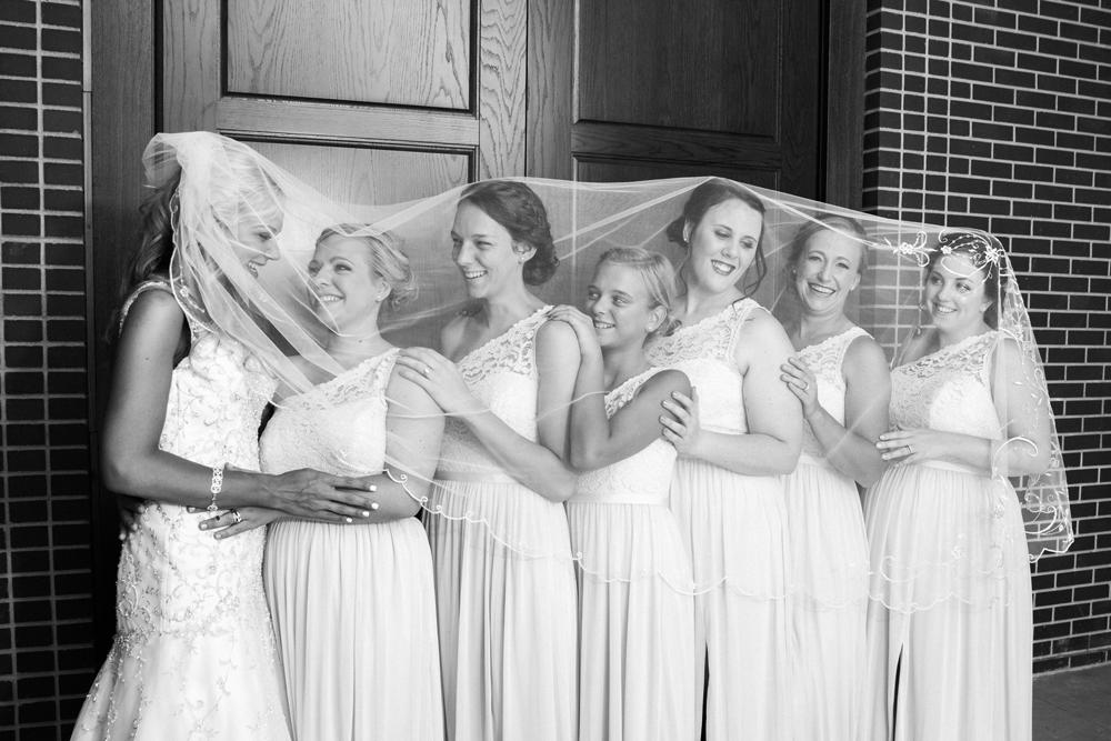 lincoln-wedding-photographers-bridesmaids