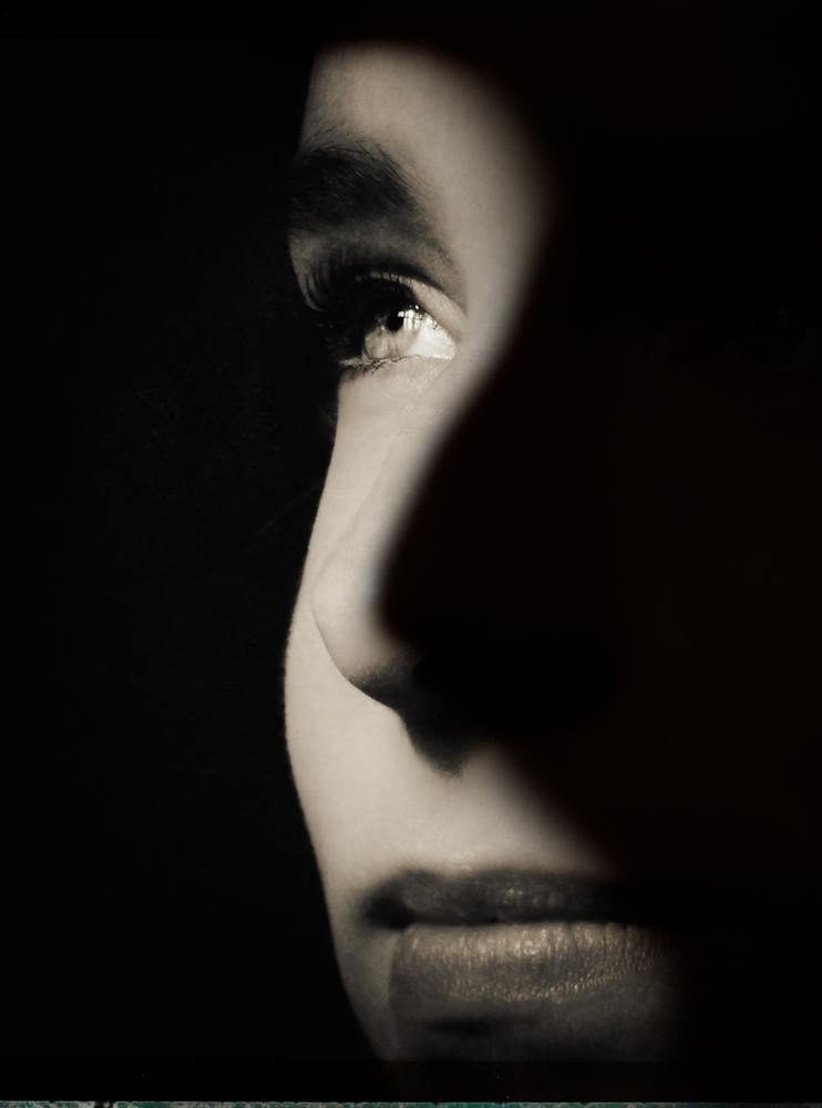 Iris-in-the-shadows- (1 of 1).jpg