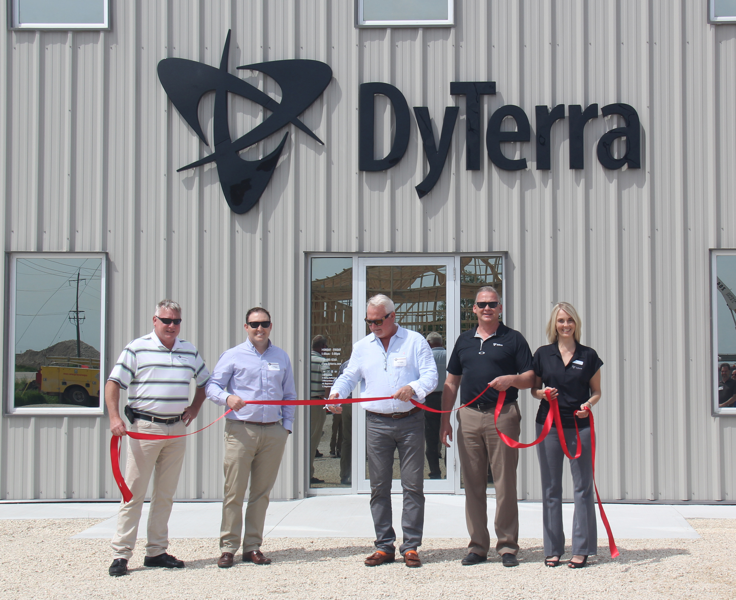 Ribbon cutting ceremony  L-R: Tim HUddle, vp purchasing & operations, diversco, Corey Boone, vice president, diversco, Jon Huddle, co-owner, diversco, Pat Beavis, president & general manager, dyterra & Tammy wood, director of internal operations, dyterra