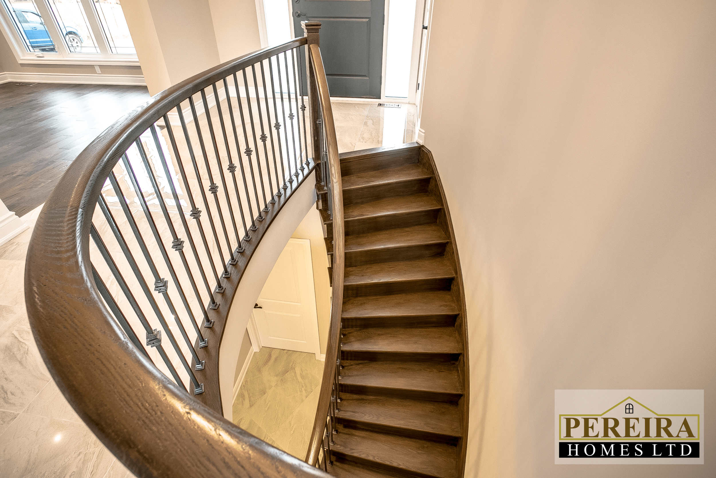 20 Darlington Blvd Courtice ON-print-037-30-Staircase-3600x2400-300dpi.png