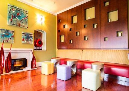 highland_lobby.JPG