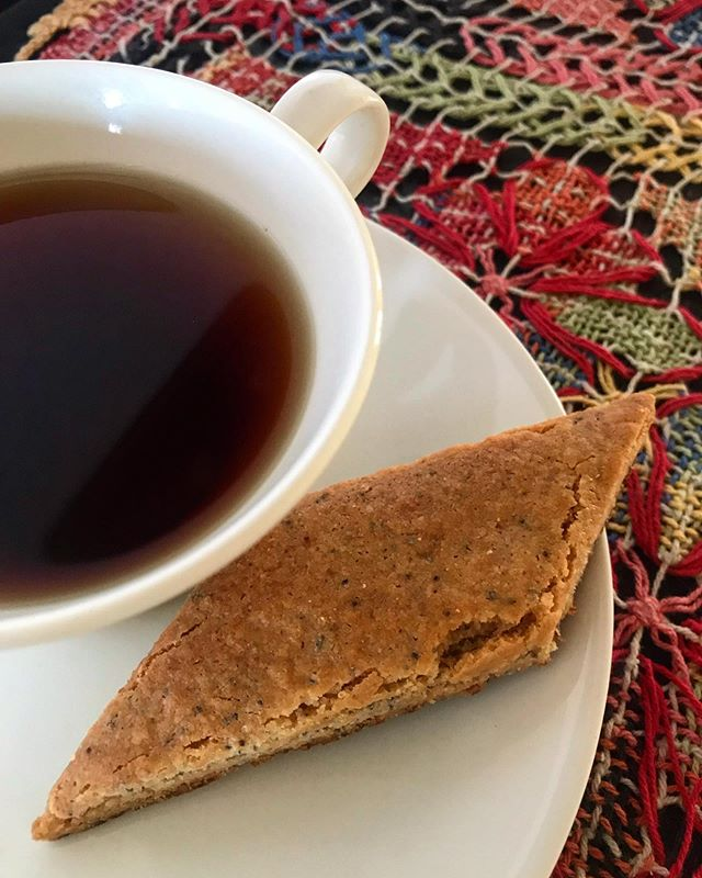 Afternoon tea with grain-free lemon poppyseed bars. Someday I'll have recipes to share. So much of what I do is intuitive and of the moment. . . . #afternoontea #siesta #slowlife #grainfreeliving #lemonpoppyseed #teaandbiscuits