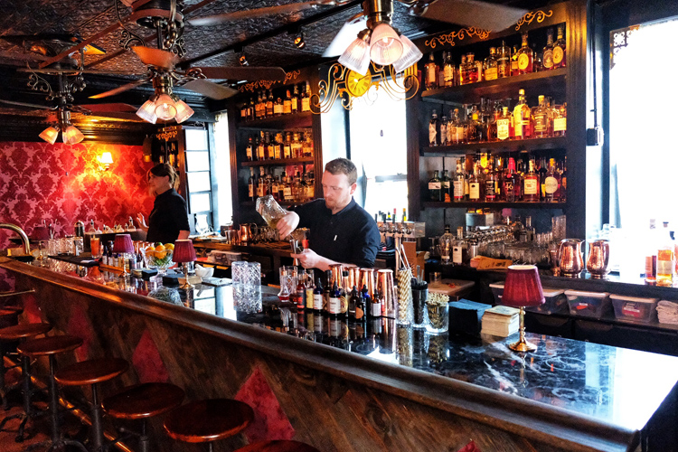 Honeybee's has an impressive bar and a great list of cocktails.