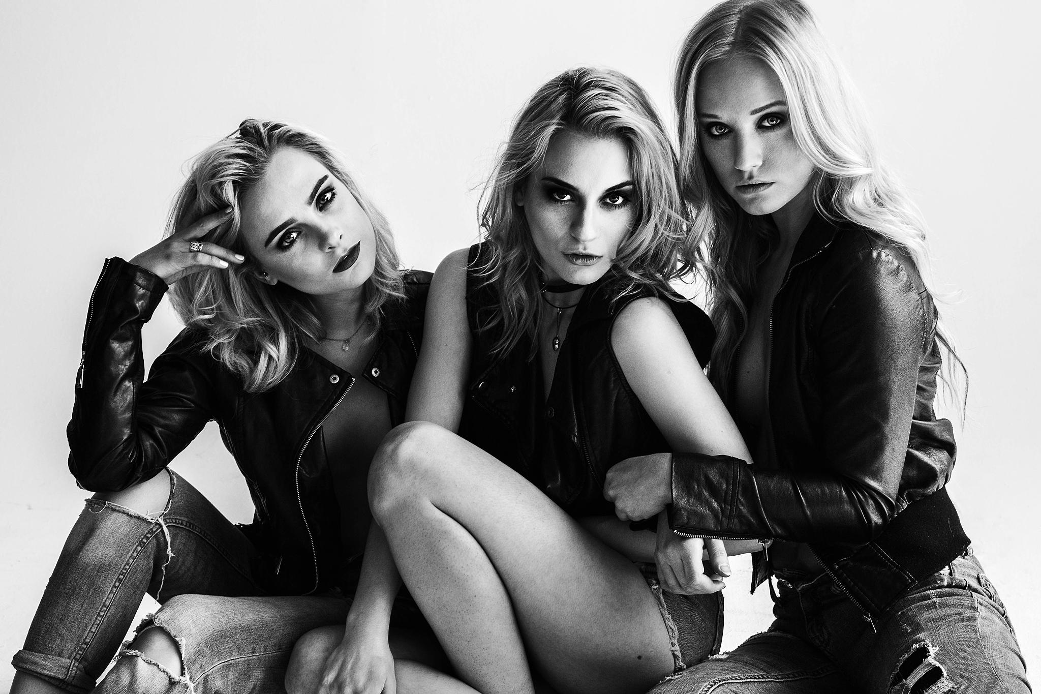 Grace Dwyer, Jelena, & Emily Wade by Thomas Sawyer
