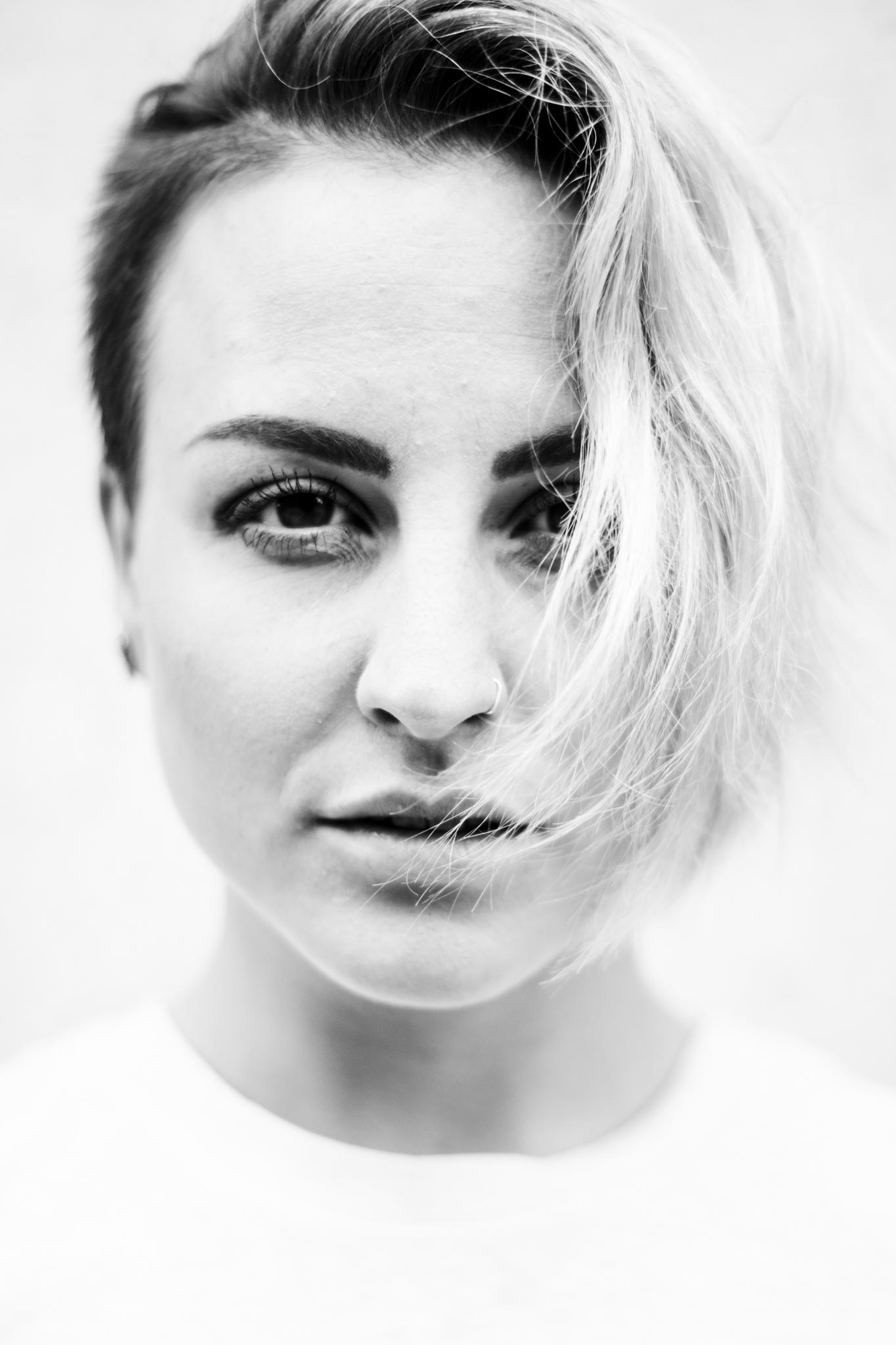 Lauren Dangelo by Thomas Sawyer
