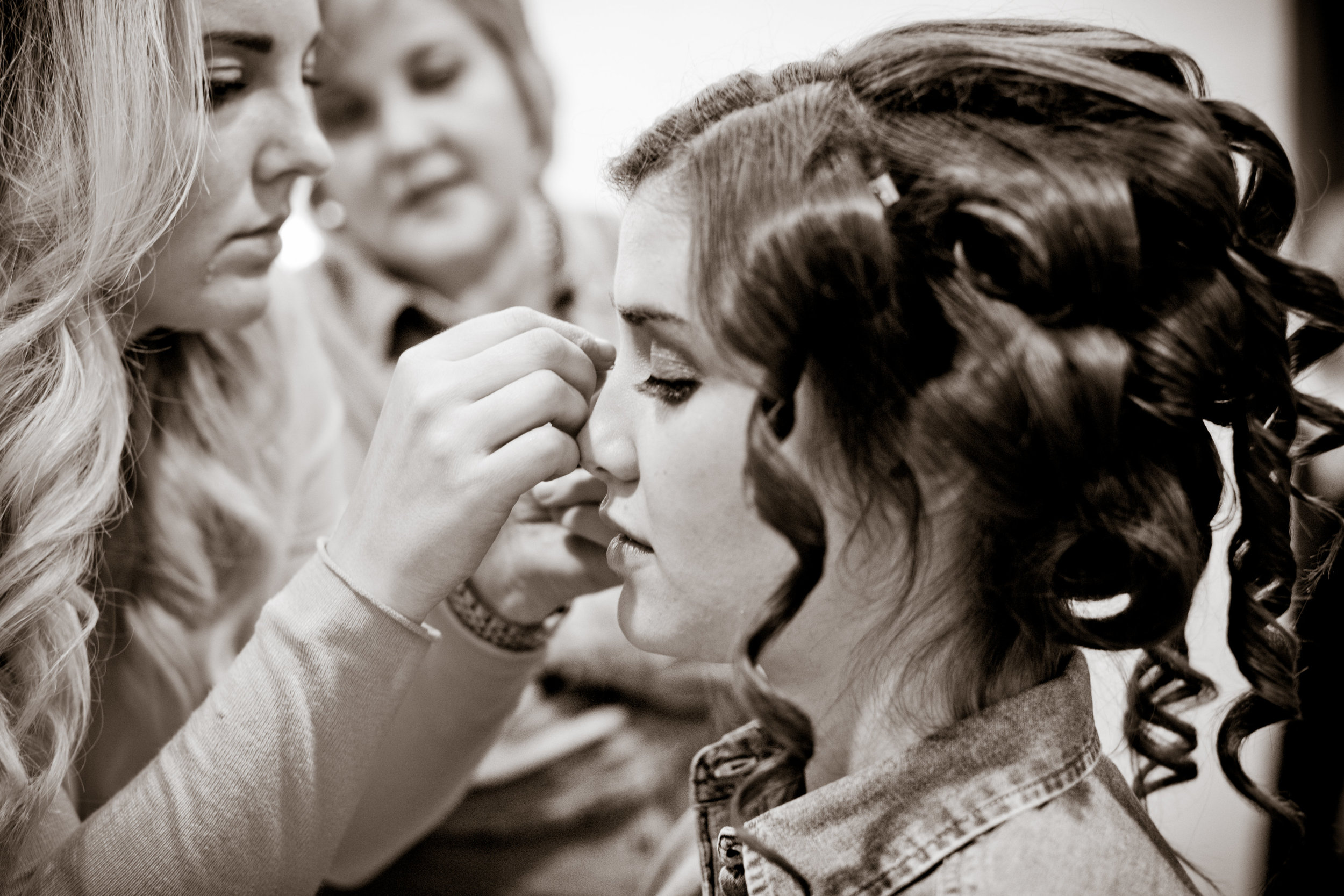Abby and Thomas Wedding-Getting Ready-0010.jpg