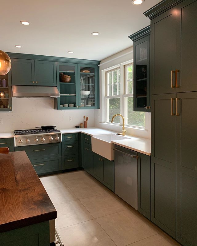 A bold kitchen renovation! 💚 [3 of 3] #kitchen #renovation #westchester #home #contemporary #interiordesign #reno #interiors #greenkitchen #butcherblock #wood #brass #gold #modern #design #homereno