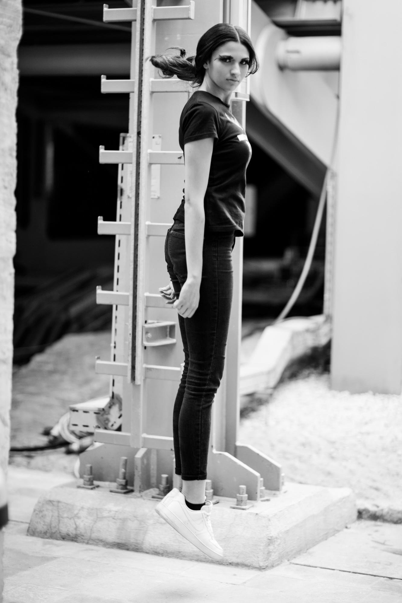Caroline Hili Backstage_94B8465-44.jpg