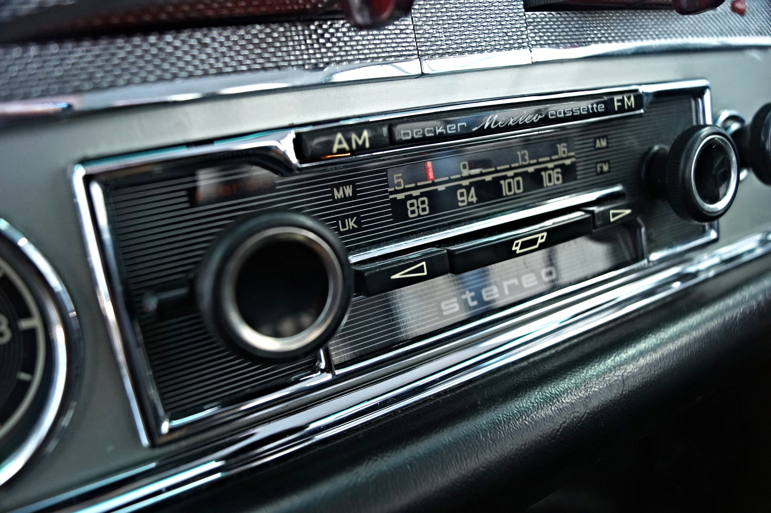 As new period Becker ~ Mexico, the Best stereo available in the late 60s an option on the Pagoda
