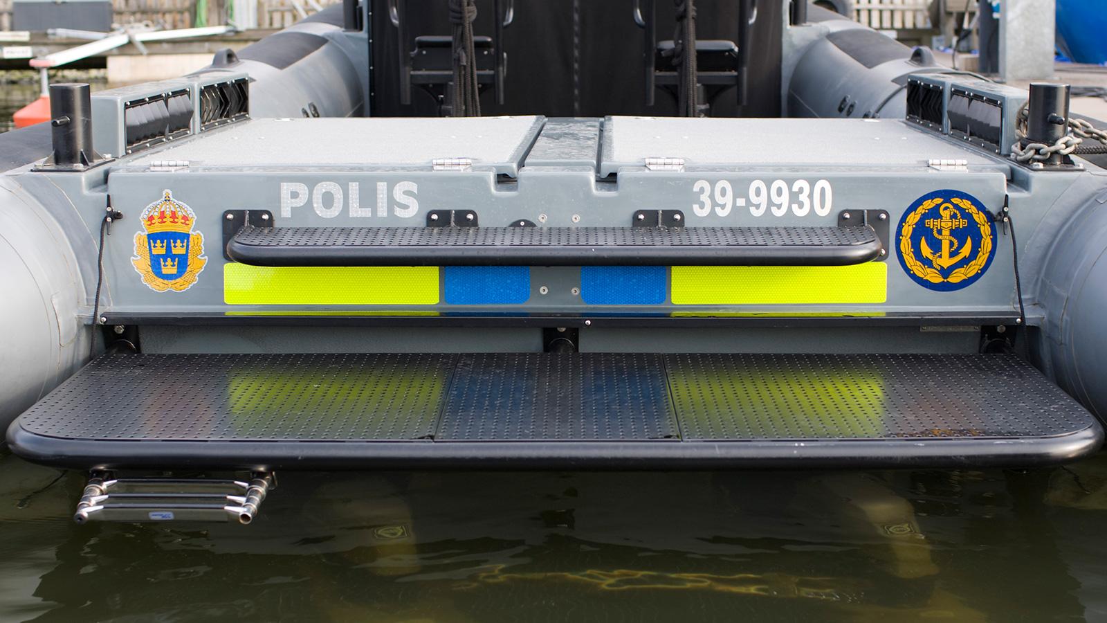 Ruper32-cabin-police-small.jpg