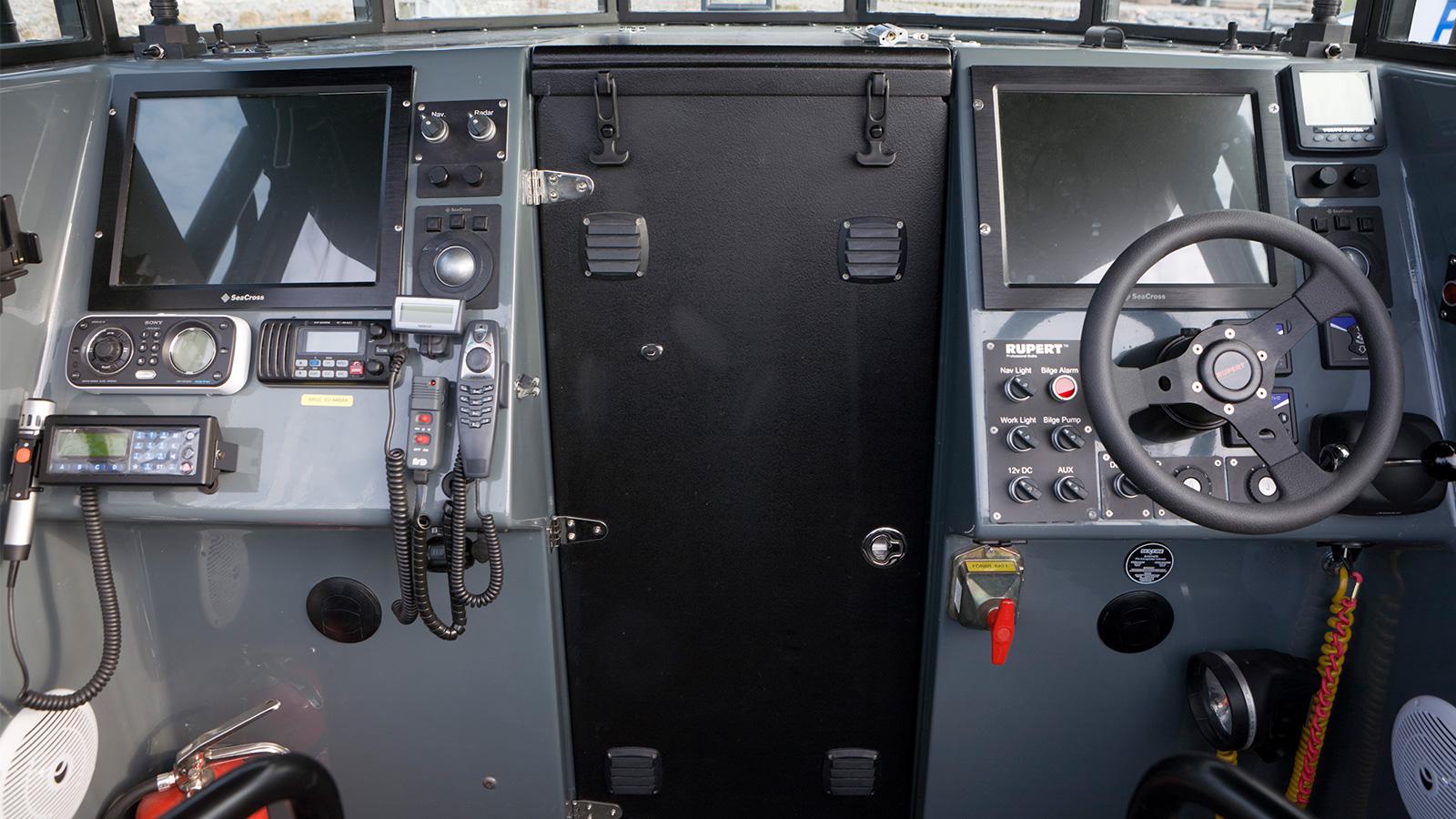 R32-dash-small.jpg