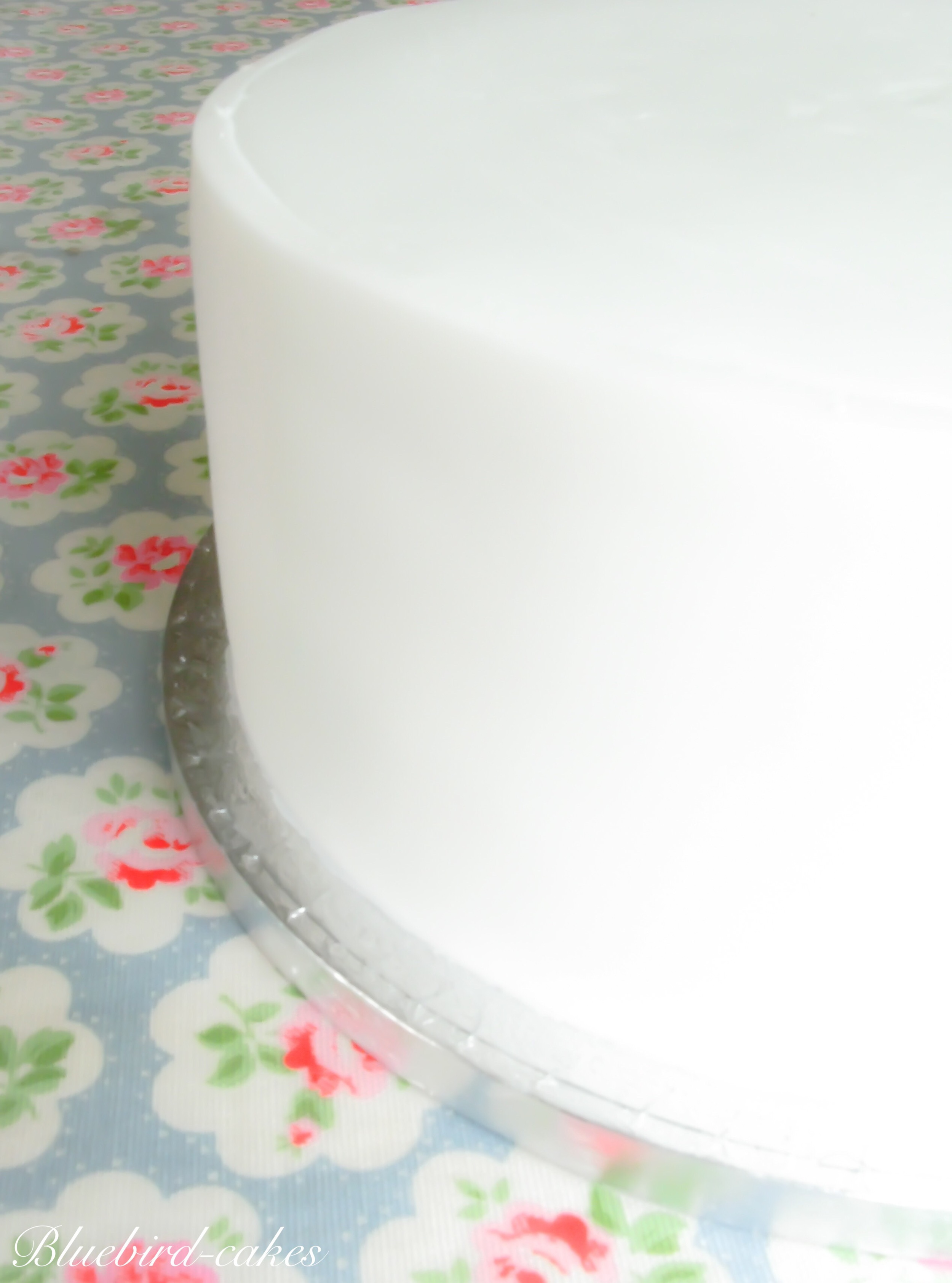 Fondant iced cake
