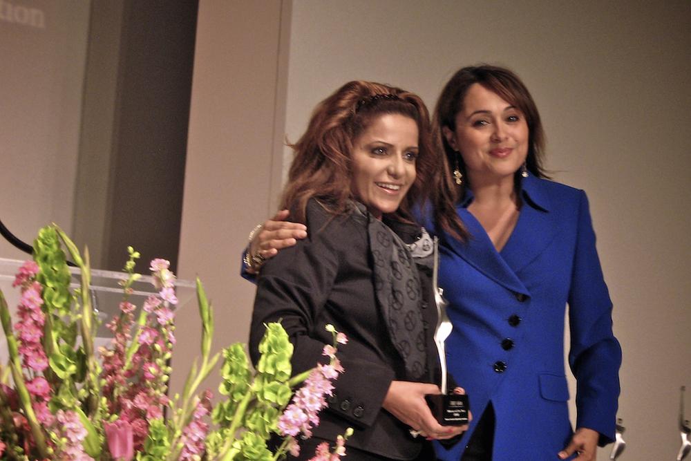 woman-of-year-award-20090512-cheflala-02.jpg