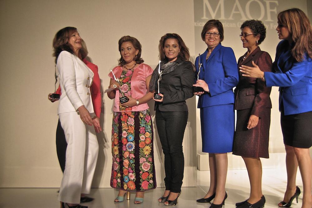 woman-of-year-award-20090512-cheflala-03.jpg