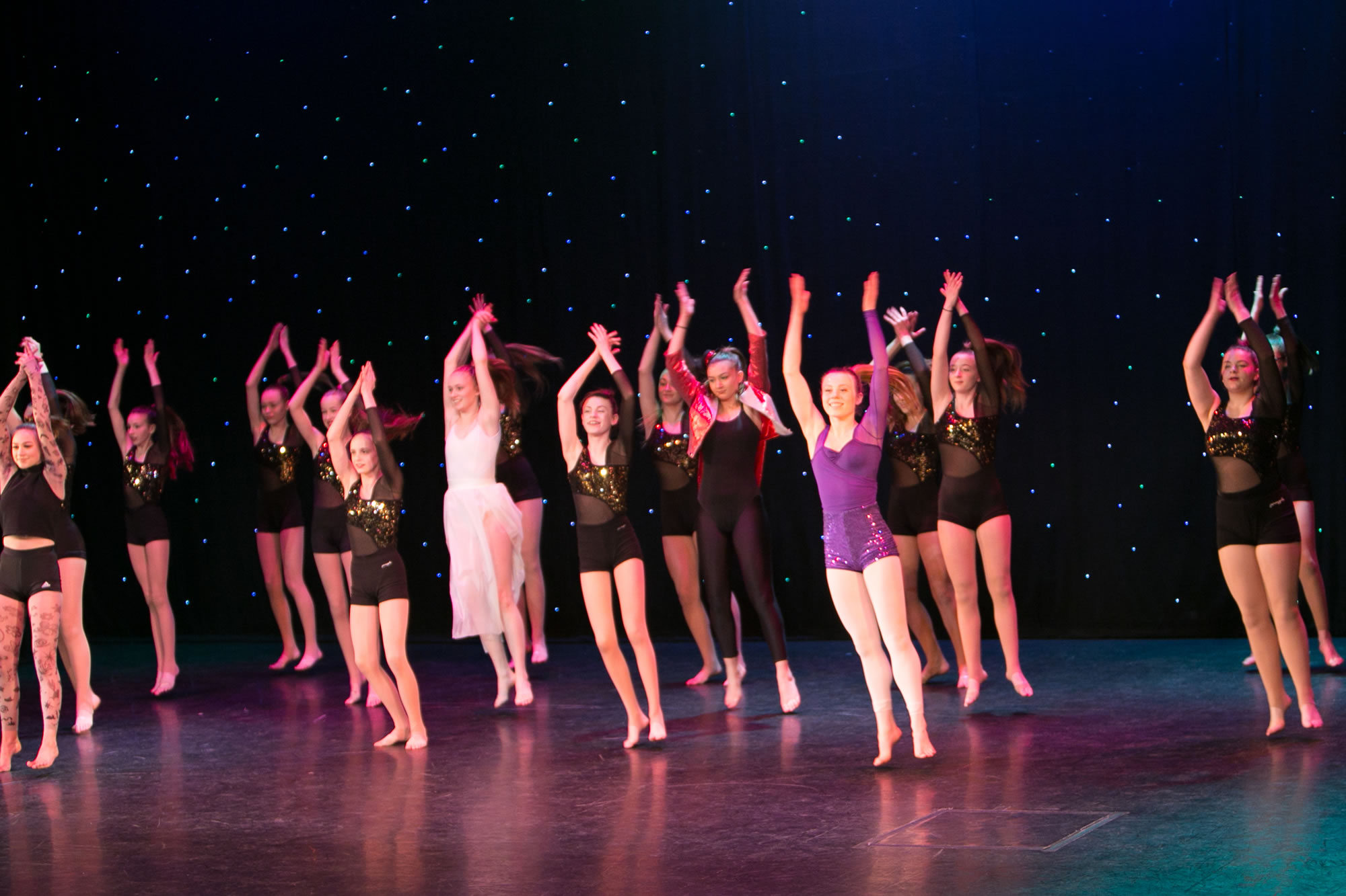 Hitchin_School_of_Dance_Show_2019-SM1_1875.jpg