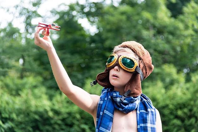 #aviator #plane #kids #photography #photoshoot #green #blue #scarf