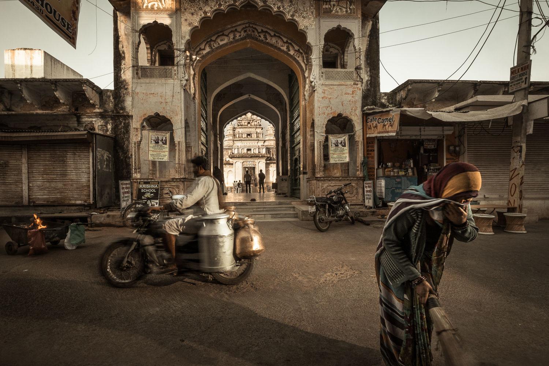 Street Swiper & Milk Motorcycle, Pushkar
