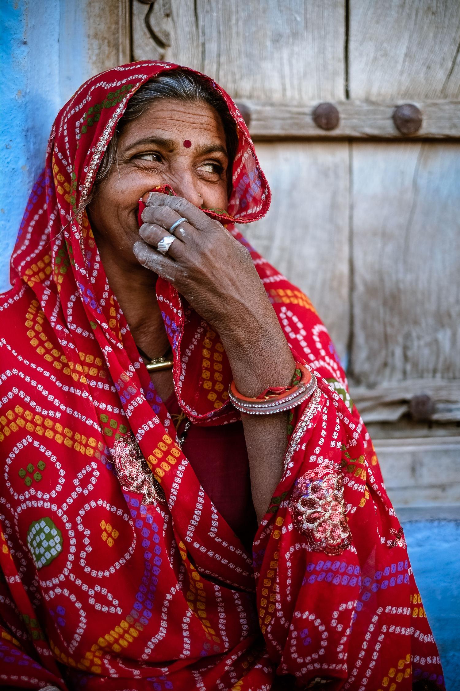 Woman laughing, Pachewar