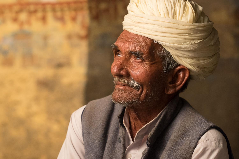 Man at teastall, Rajasthan