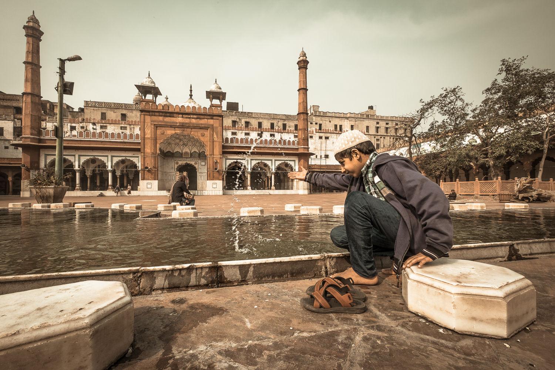 Boy at Fatihpuri Mosque, Old Delhi