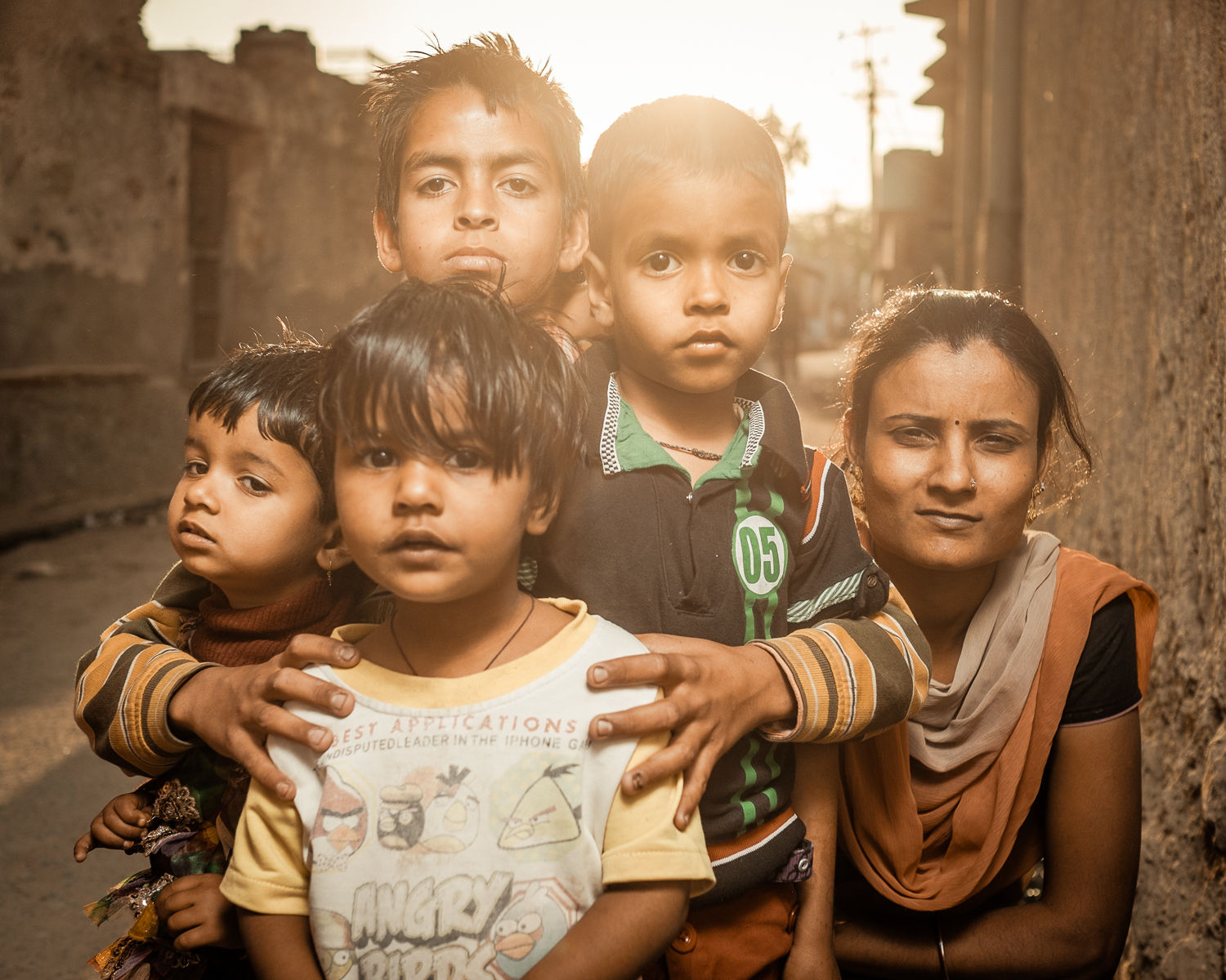 Kids in the streets of Pachewar