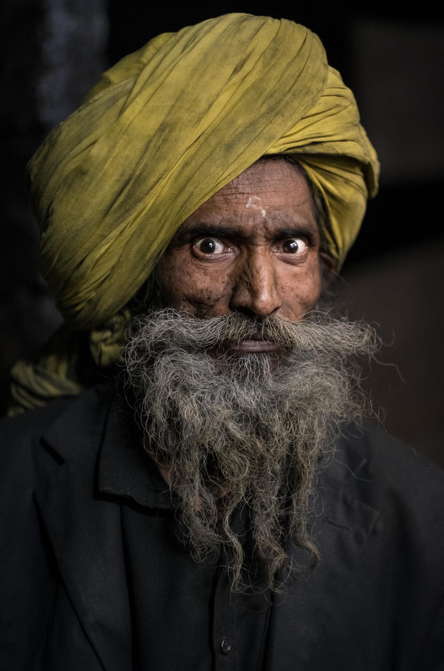 Charcoal Monger, Old Delhi