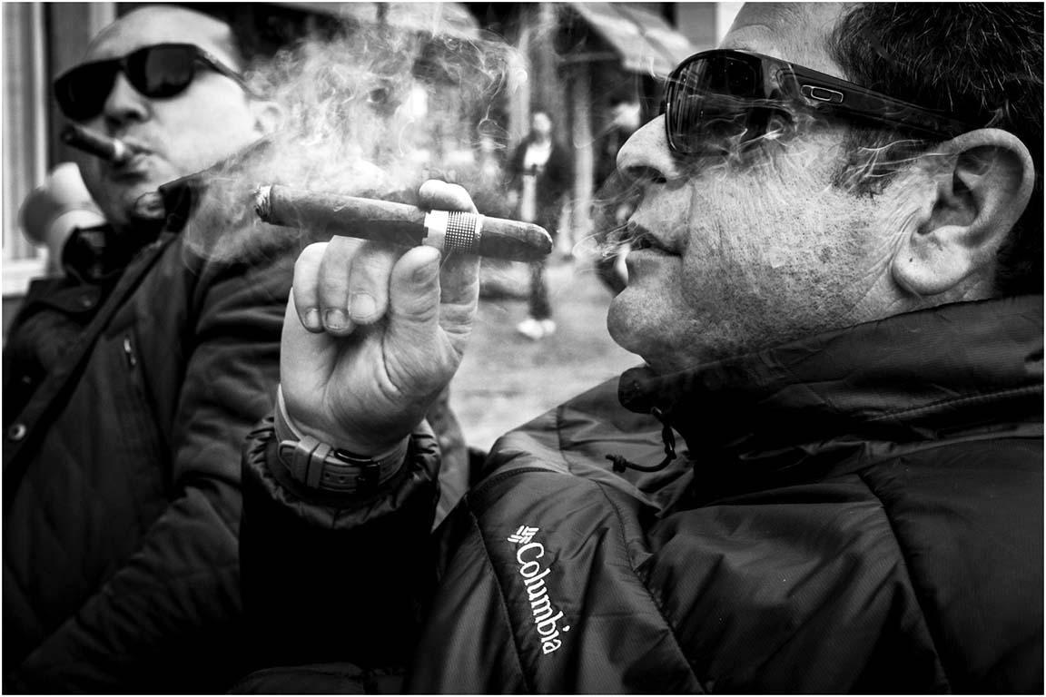 Was ik nog veel dichter gegaan, dan had de sigaar mijn lens verbrand!© Stichting Willem Wernsen Fotografie