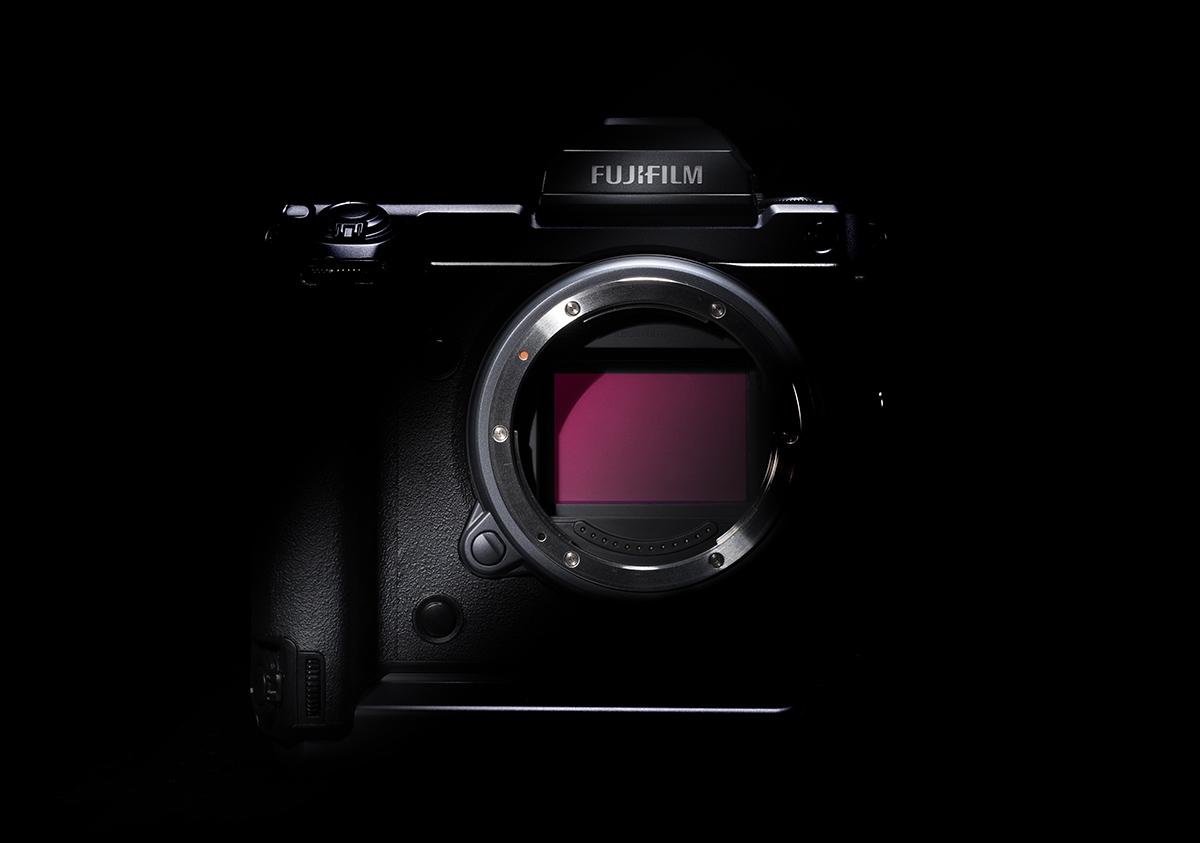 Prototype van de GFX 100S. Fase-detectie, 100 megapixels en een gestabiliseerde sensor. We weten weeral waarvoor gespaard :-) Foto © Fujifilm