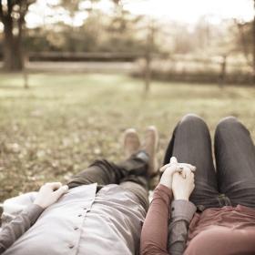 blur-blurred-background-couple-691045.jpg