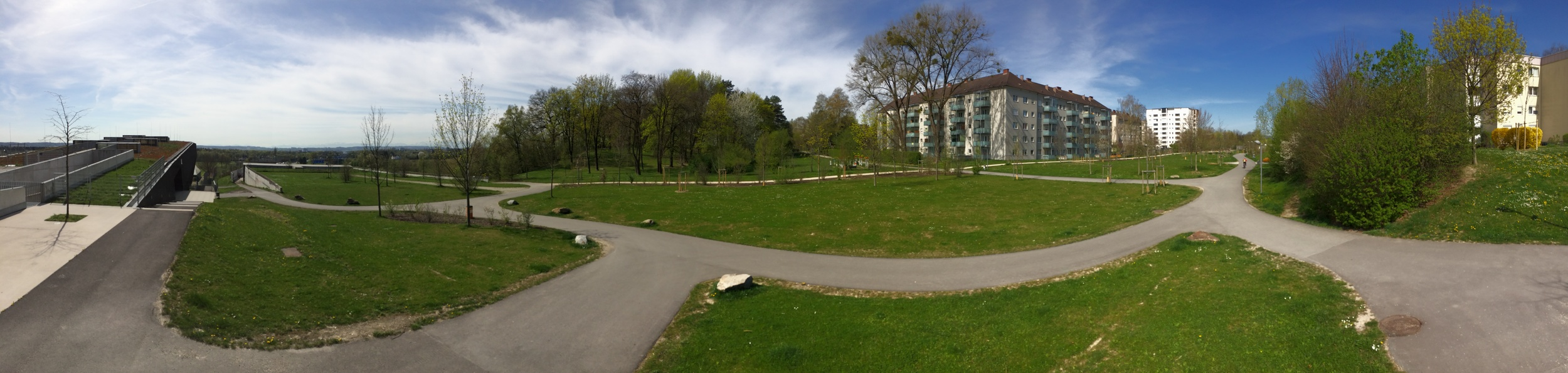 Panoramic view at the southern end of Park Bindermichl- Spallerhof