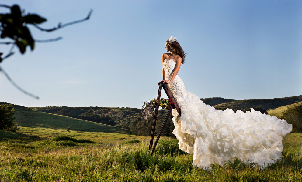 __christopher_TODD_studios_orangecountyweddingphotosweddingdresses89_low.jpg