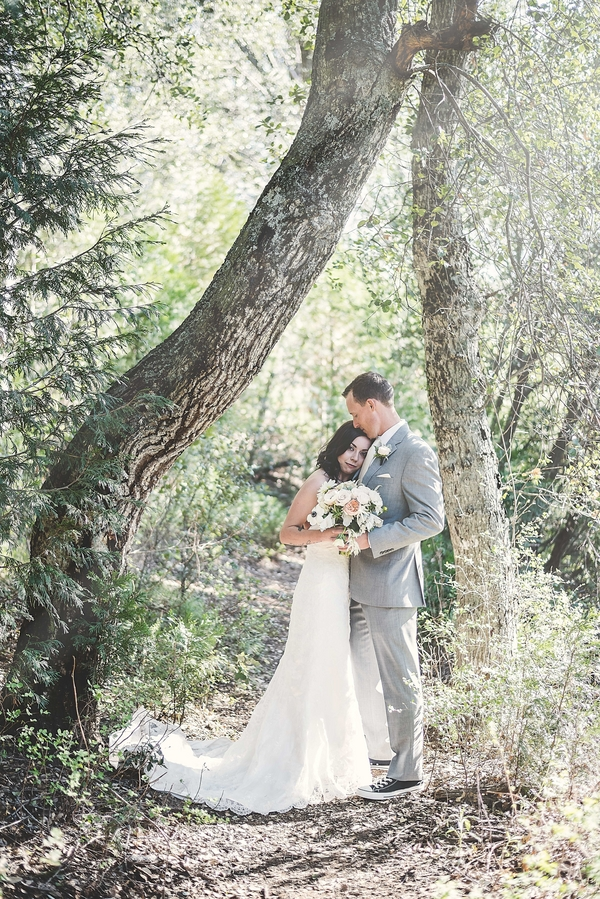 Armstrong_Wentworth_BritJayePhotography_BritJayeSubmissionSimlpeDIYJulianWedding32_low.jpg