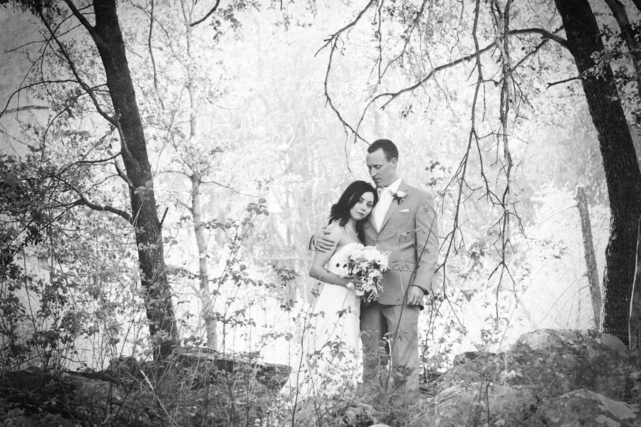 Armstrong_Wentworth_BritJayePhotography_BritJayeSubmissionSimlpeDIYJulianWedding38_low.jpg