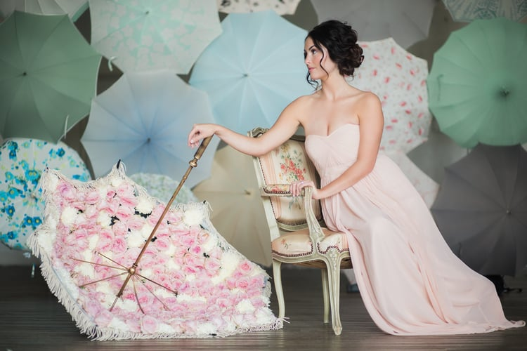 Bella Umbrella  sells and rents gorgeous umbrellas for special events !