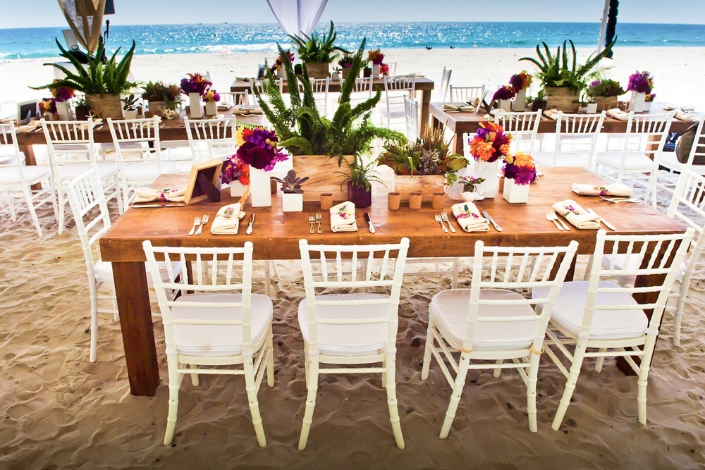 Beach Wedding - tables etting.jpg
