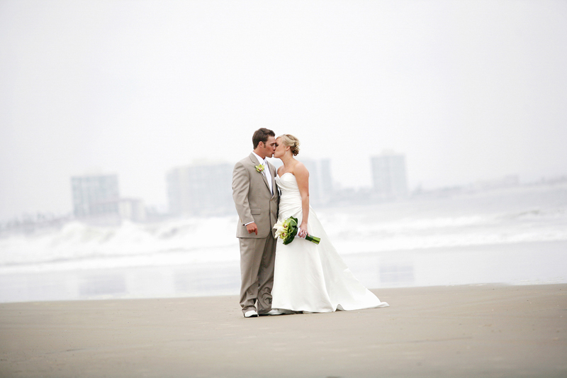The Modern Picture We are Michael and Melissa Petri, a husband and wife photography team based in California. We love that we work together and get to share our passion for life and photography with others. Capturing moments artistically and creating special memories.