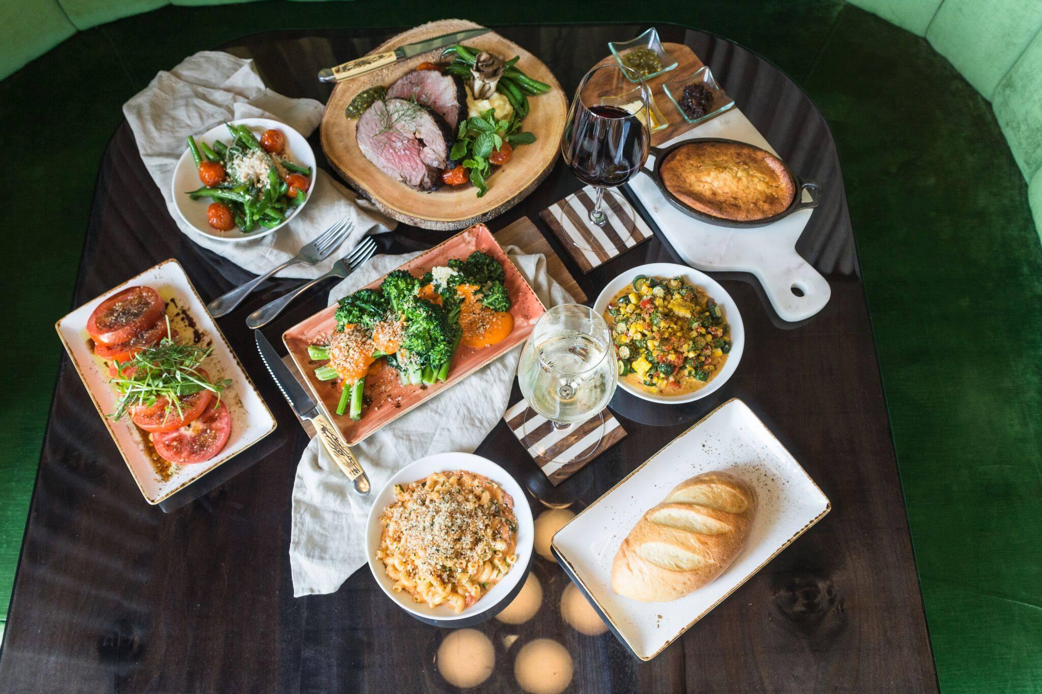 Lakehouse food tabler.jpg