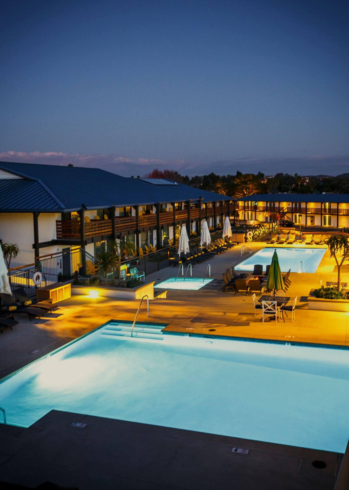 Lakehouse Hotel.jpg