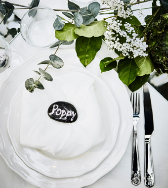 IKEA wedding table setting on a budget__201741_iden04a_05_PH142697.jpg