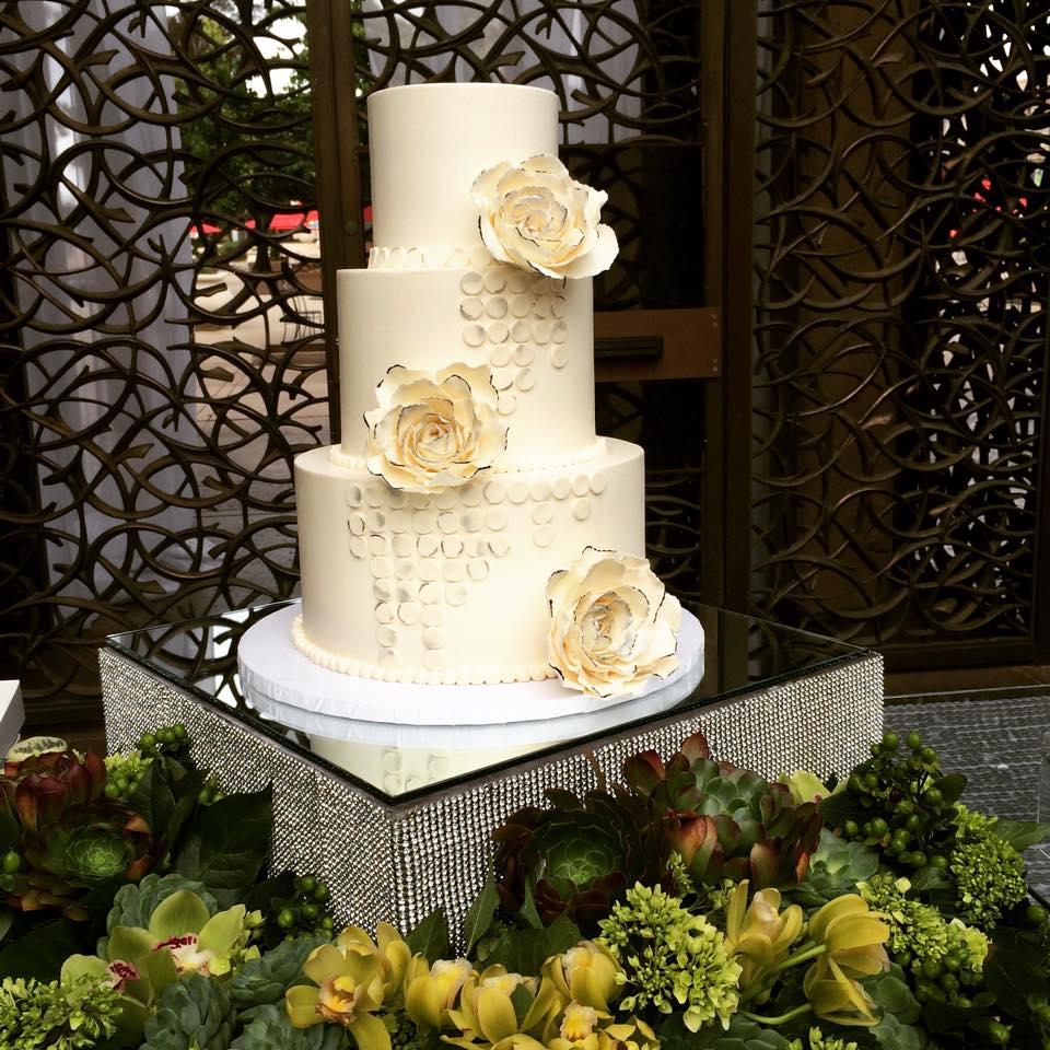 CAKE cake 11351350_10153941932979377_928196295_n.jpg