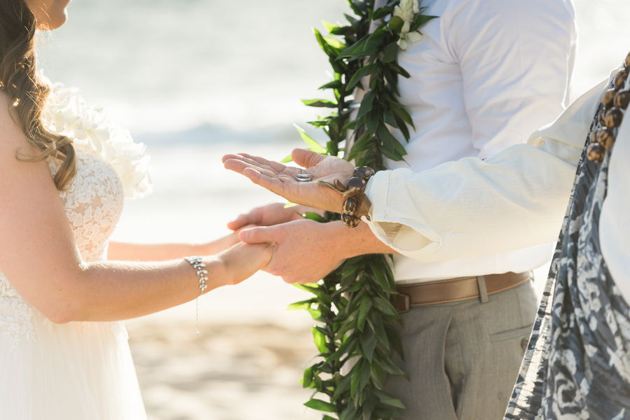 Jager_Laird_KarmaHillPhotography_mauiweddings22_low.jpg